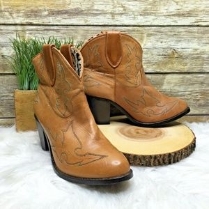 Dingo Billie Tan Brown Leather Western Ankle Boots